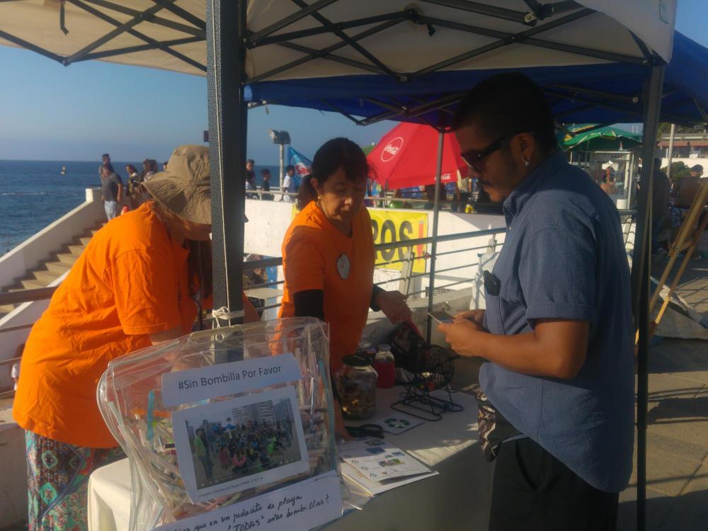 4° limpiatón Educativa  en Playa Caleta Abarca De Viña del Mar, organizada por Fundación Cidemar3 de enero 2020