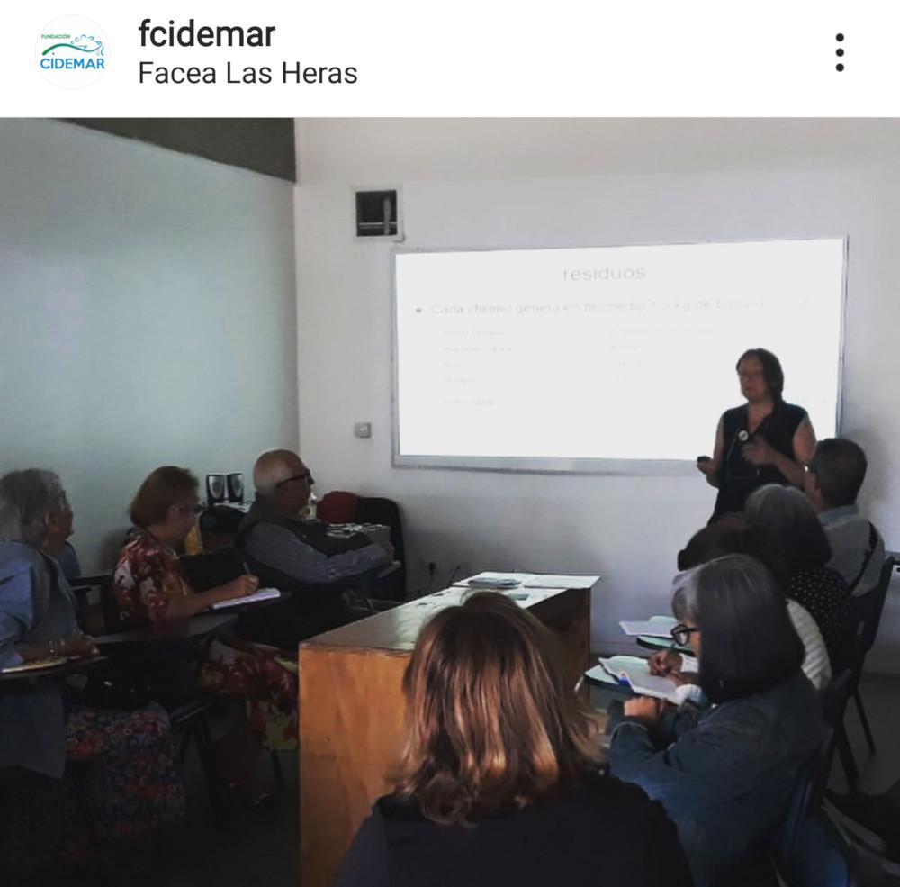 Taller de reciclaje Escuela de Verano Las Personas Mayores a la Universidad, organizado por Geropolis Universidad de Valparaíso.15 de enero 2020